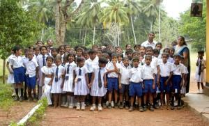 Gruppenbild der dankbaren Schulkinder
