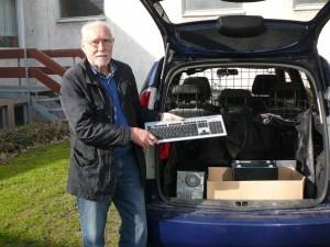 Fünf PCs werden 2012 am Mariengymnasium Werl abgeholt
