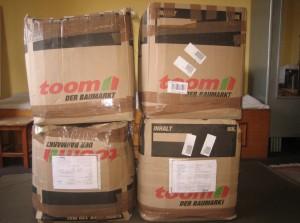 Pakete bei der Ankunft in Nepal